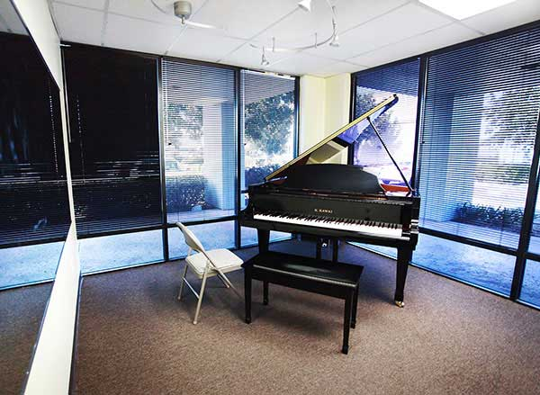 Piano lessons in Huntington Beach School of Music