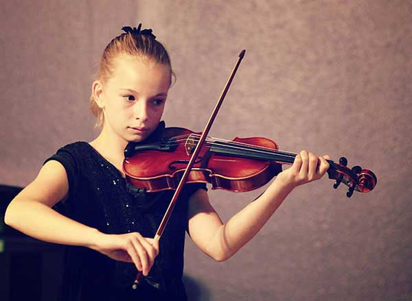 Violin lessons in Huntington Beach School of Music