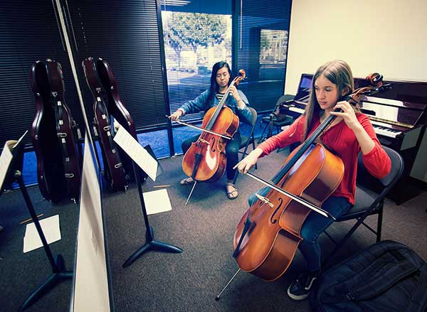 Cello lessons in Huntington Beach School of Music